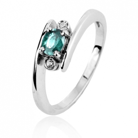 Bague Emeraude 0.40 ct sertie de deux diamants 0.04 ct