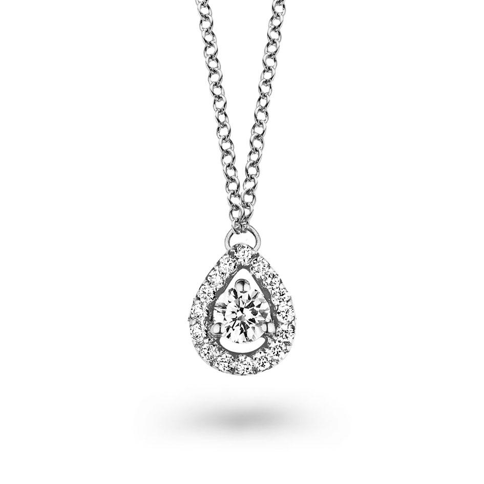 un collier diamant