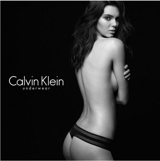 Kendall Jenner pose pour Calvin Klein